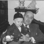 Toni Subirana de nen amb el seu avi, Josep Maria Mestres Araguás.